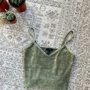 Green velvet Crop top - forever 21
